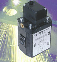 Air pressure regulator / single-stage / membrane / electro-pneumatic