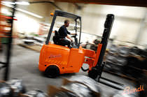 Electric forklift / narrow-aisle / ride-on / articulated