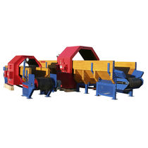 Wood conveyor system / for heavy loads