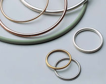 Spring-loaded seal / O-ring / shaped / metal