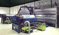 Centrifugal decanter / horizontal / for the chemical industry