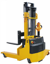 4-way electric stacker 1 200 - 2 000 kg | CBD H.E.S
