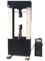 Universal testing machine / for materials / hydraulic