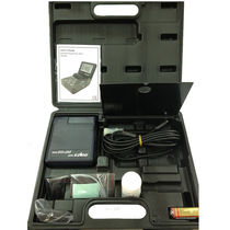 Oxygen analyzer / temperature / benchtop / portable