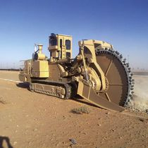 Rockwheel trencher / tracked