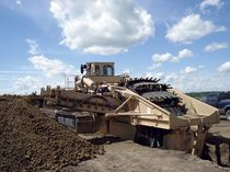 Bucket wheel trencher / tracked