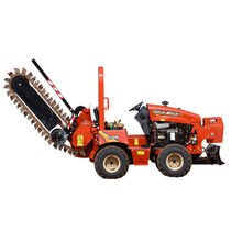 Chain trencher / rubber-tired / ride-on