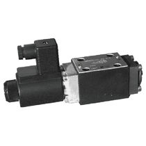 Spool hydraulic directional control valve / solenoid-operated / for high flow rates / base-mounted