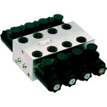 Poppet hydraulic directional control valve / compact / monobloc