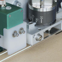 Application unit / cold / for adhesives / cold glue
