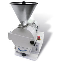 Rotor mill / horizontal / for grain / food
