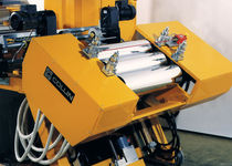 Calender machine and chill roll for thermoplastic films and sheets