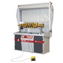 Automatic inspection machine / for crankshafts