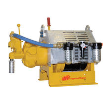 Pneumatic winch / man-riding / for materials handling / rugged