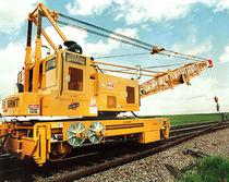 Rail-mounted crane / boom / lattice / for railway applications