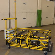 Loading automatic guided vehicle / for unloading / gravity