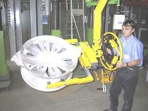 Manipulator with hook / positioning / for materials handling / for wheels