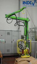 Pneumatic manipulator / with gripping tool / load / rope