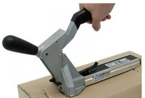 Manual stapler / one-handed / for carton sealing