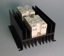 Solid-state relay / control / surface-mount / dual-output