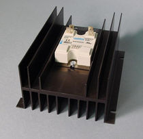 Solid state relay with heatsink / DIN rail / panel-mount