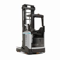 Electric reach truck / side-facing seated / compact / handling