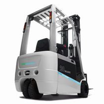 Electric forklift / ride-on / for warehouses / handling