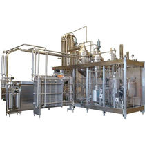 Ultra-high-temperature pasteurizer / for dairy products