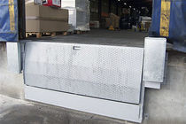 Dock ramp / for vehicles / for trucks / painted metal