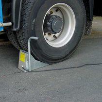 Truck wheel block