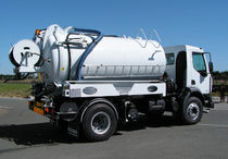 Suction truck / sewer cleaner / heavy-duty / 2-axle