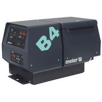Hot melt glue melter / with gear pump