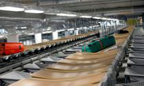 Tilt-tray sorter / baggage / for airports