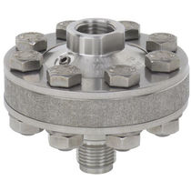 Diaphragm seal with threaded connection / for pressure gauges / process