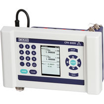 Pressure calibrator / for pressure gauges / digital / process