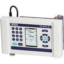 Pressure calibrator / for pressure gauges / process / digital