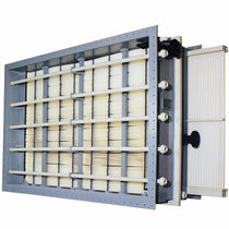Liquid/liquid heat exchanger / plastic