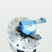 Portable flange facer / with ID-clamping