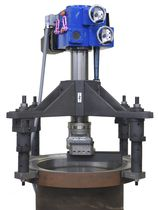 Vertical lathe / portable / for valves and flanges