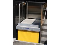 Column type lift / for disabled persons / automatic