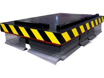 Scissor lift table / hydraulic / with safety barrier