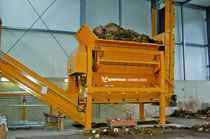 Double-shaft shredder / for wood chips