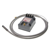 Cylindrical proximity sensor