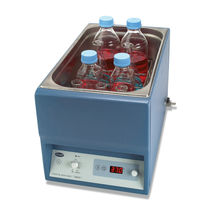 Shaking water bath / with digital display