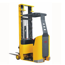 Electric reach truck / stand-on / narrow-aisle / handling