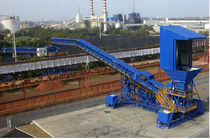 Belt conveyor / for the mining industry / for bulk materials / mobile
