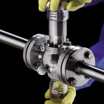 Sampling valve / for chemicals / wafer / flange