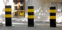 Automatic retractable bollard / manual / high-security