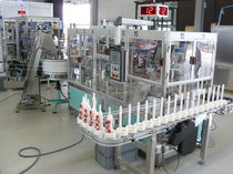 Automatic assembly machine / for heparin lines