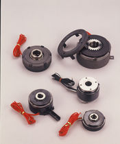 Multiple-disc clutch / electro-magnetic